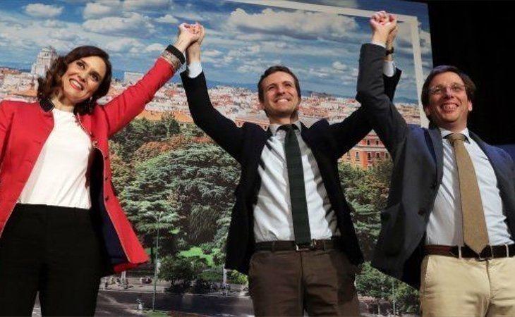 Díaz Ayuso y Martínez Almeida, posibles salvavidas de Pablo Casado: podrían ganar Comunidad y Ayuntamiento con los actuales datos de participación