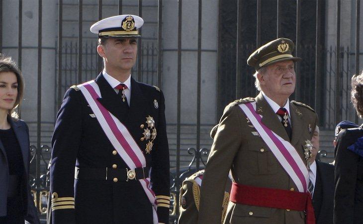 Don Juan Carlos comunica su retirada de la vida pública en una carta remitida a su heredero, el Rey Felipe