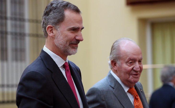 El rey Juan Carlos le anunció a su hijo su retirada de la vida pública