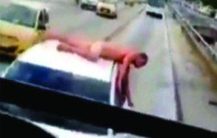 Una mujer pasea a su marido desnudo sobre el coche por haberle sido infiel