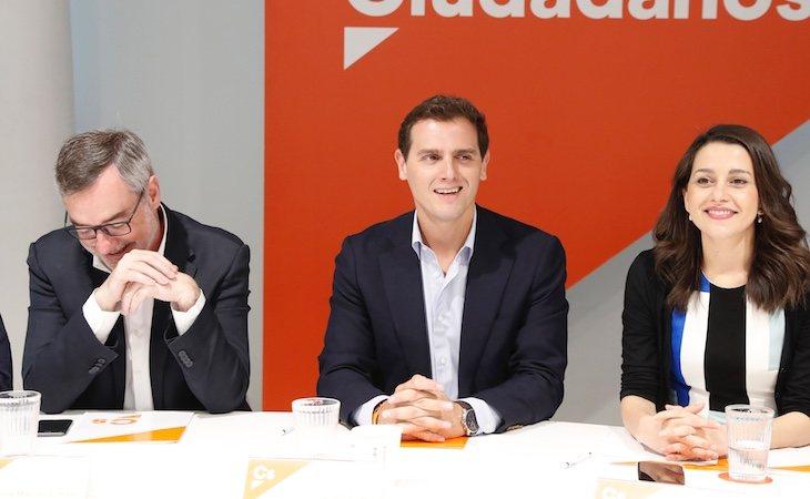Villegas junto a los líderes nacionales de Ciudadanos, Albert Rivera e Inés Arrimadas