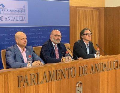 """VOX rechaza el Presupuesto andaluz y el PP reacciona: """"¿En serio? ¡Tú estás fumao!"""""""
