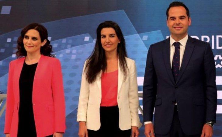 El líder de Ciudadanos en Madrid, Ignacio Aguado (dcha) tiene la llave de la gobernabilidad de la región