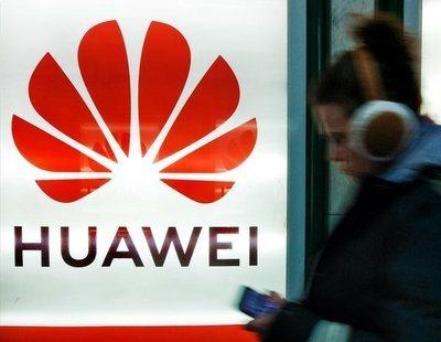 ¿Cómo puedo solicitar una indemnización a Huawei si mi móvil pierde prestaciones?