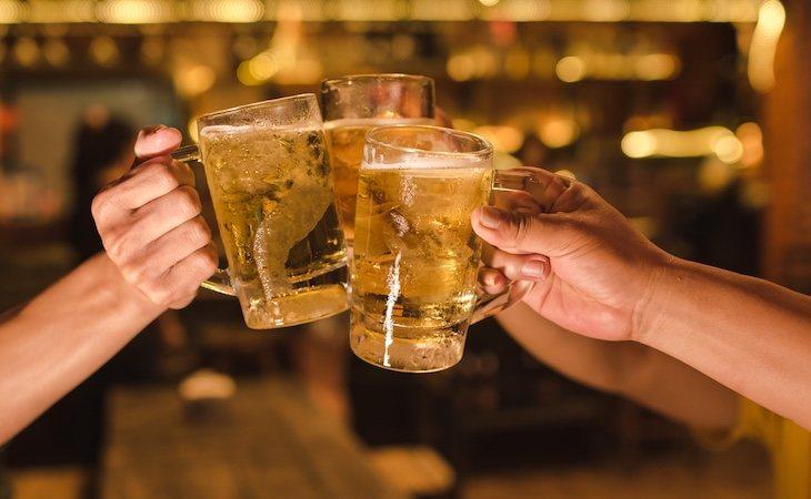 Beber en sociedad está demasiado normalizado