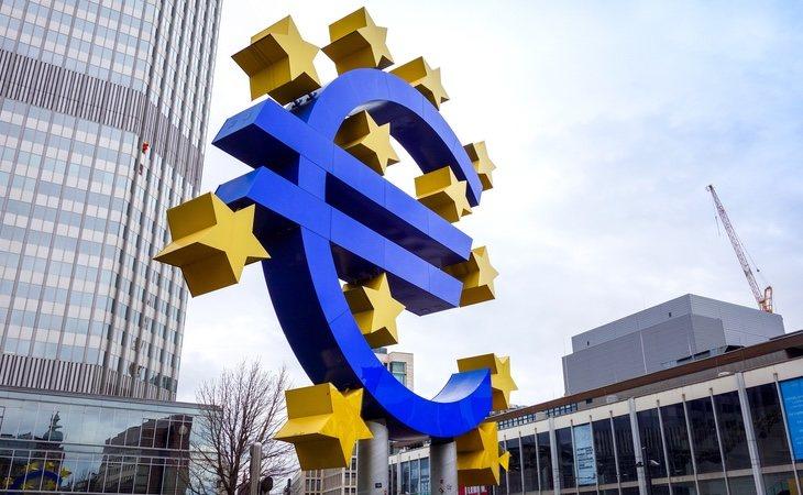España forma parte del Espacio Schengen y es un buen punto de partida para establecerse con solidez en Europa