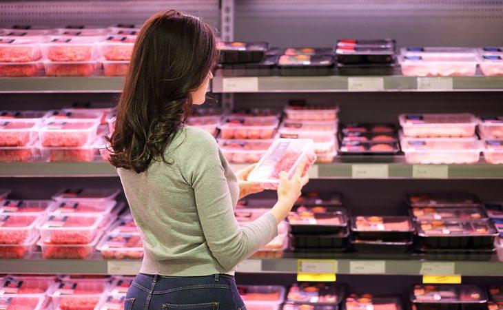 Los expertos estiman que la producción de carne convencional se reducirá hasta en un 60 % en 2040