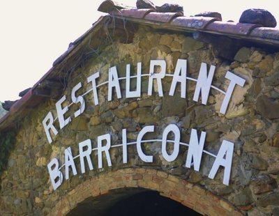 Expulsados de un restaurante en Girona por llevar un polo con la bandera de España