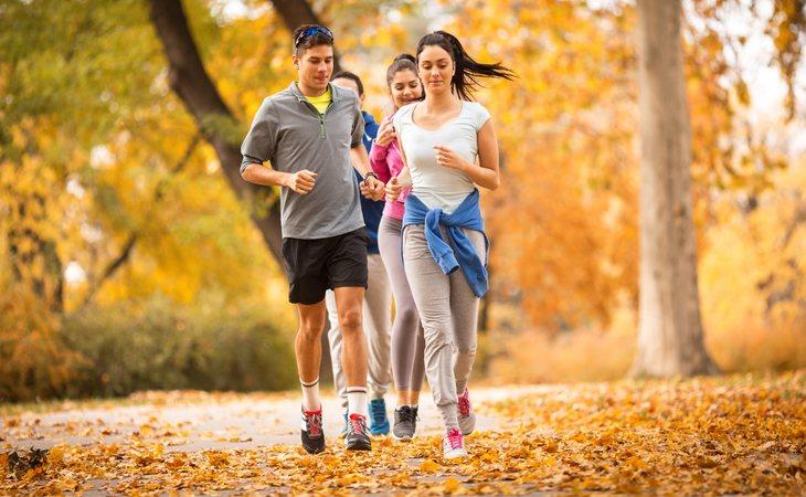 Los profesionales recomiendan una dieta variada y ejercicio físico para llevar un estilo de vida saludable