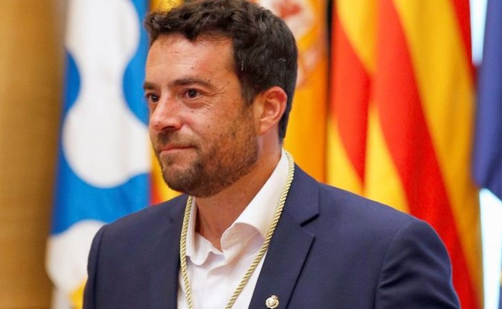 El PSC arrebata la alcaldía a Albiol en Badalona con un acuerdo con ERC y Guanyem