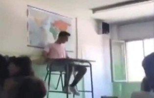 #DeskChallenge: el nuevo reto viral de los pupitres voladores