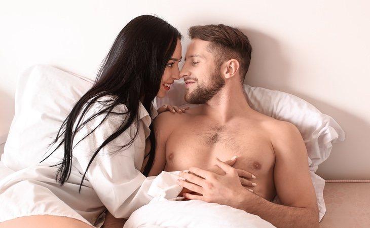 Sobrepasar el tiempo recomendado puede quitar 'chispa' a la relación, según los expertos