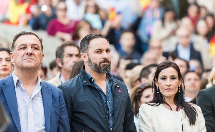 La fortaleza de VOX debilita a la derecha y la debilidad de Podemos fortalece al PSOE