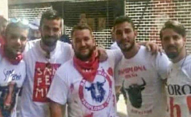 Los cinco acusados de 'La Manada' no podrán acercarse a su víctima durante 20 años