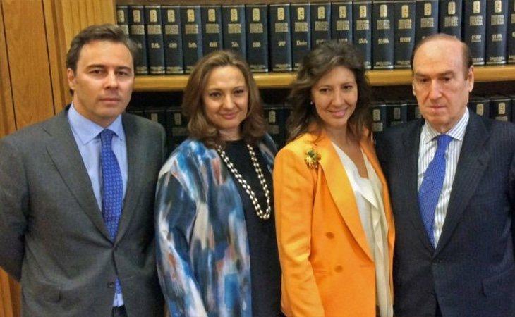 Las hermanas Álvarez, junto a Dimas Gimeno (izq) y Florencio Lasaga (dcha)