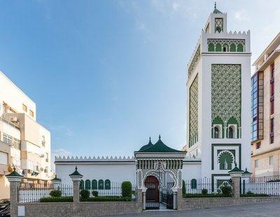 Un hombre armado ataca una de las principales mezquitas de Ceuta al finalizar un rezo
