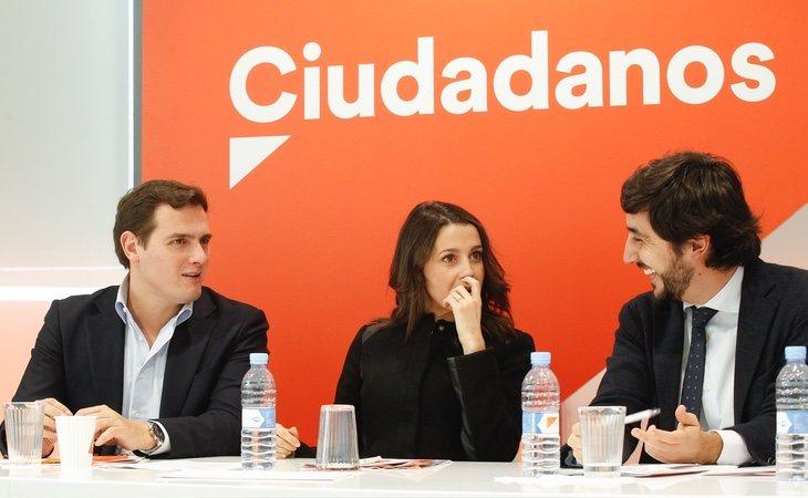Toni Roldán (dcha) formaba parte de la cúpula del partido