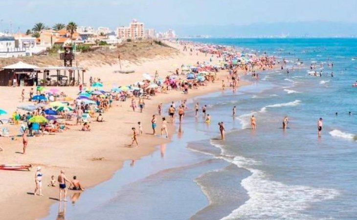 La Guardia Civil y la Policía han aumentado la vigilancia en las playas de Valencia contra las agresiones sexuales