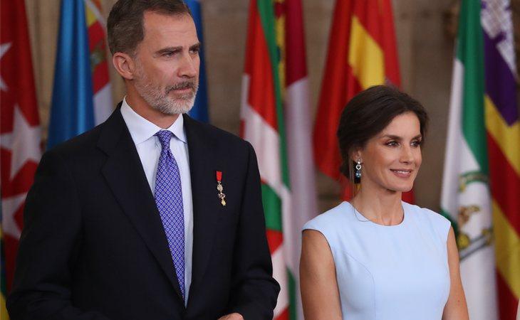 La reina Letizia y el rey Felipe VI aún mantienen una fuerte relación de amor y cariño, pese a los desafortunados sucesos en público