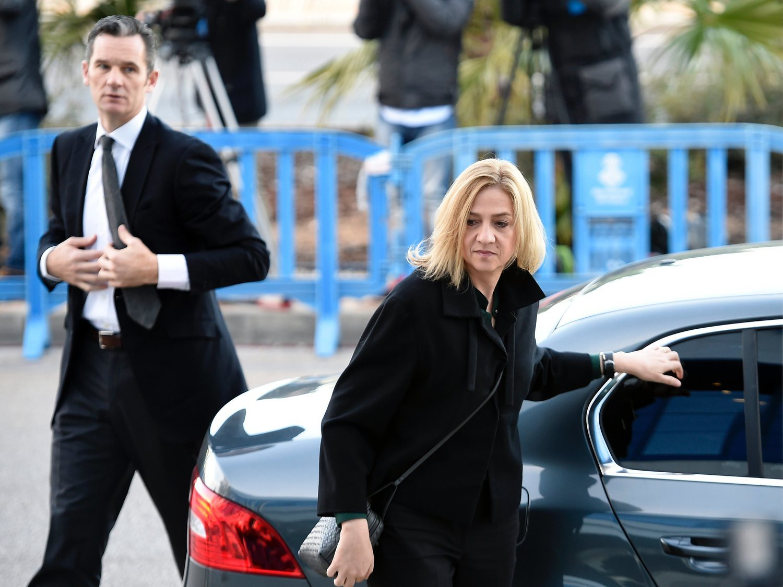 La infanta Cristina entra en depresión: no soporta el deterioro físico de Urdangarín en prisión