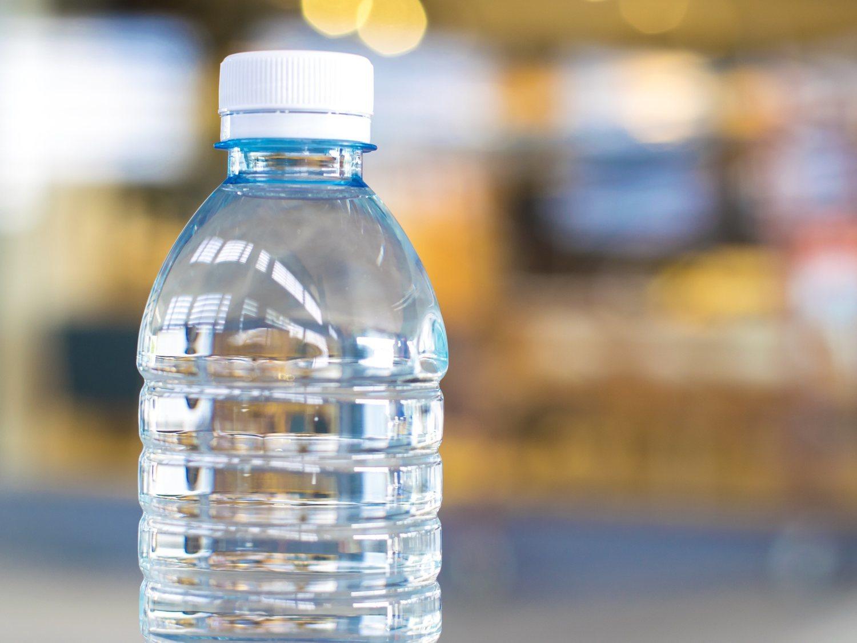 #BottleCapChallenge: el nuevo reto viral para abrir una botella con una patada voladora