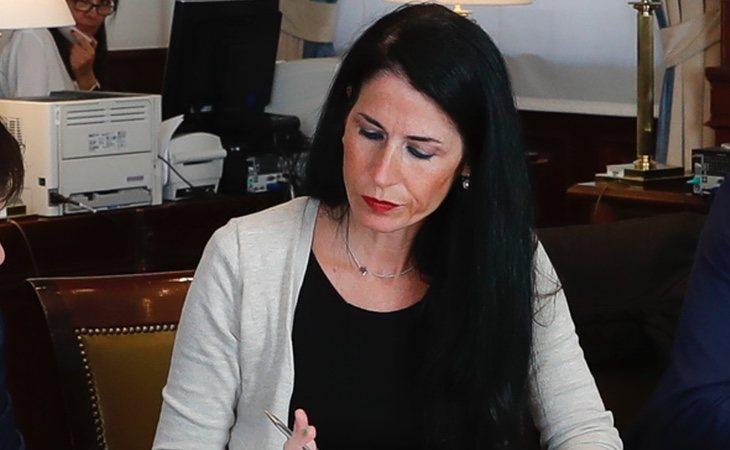 La diputada Carla Toscano, durante la recogida de su acta en el Congreso