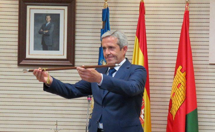 José María Pérez (PP) prometió estudiar la solvencia del Ayuntamiento