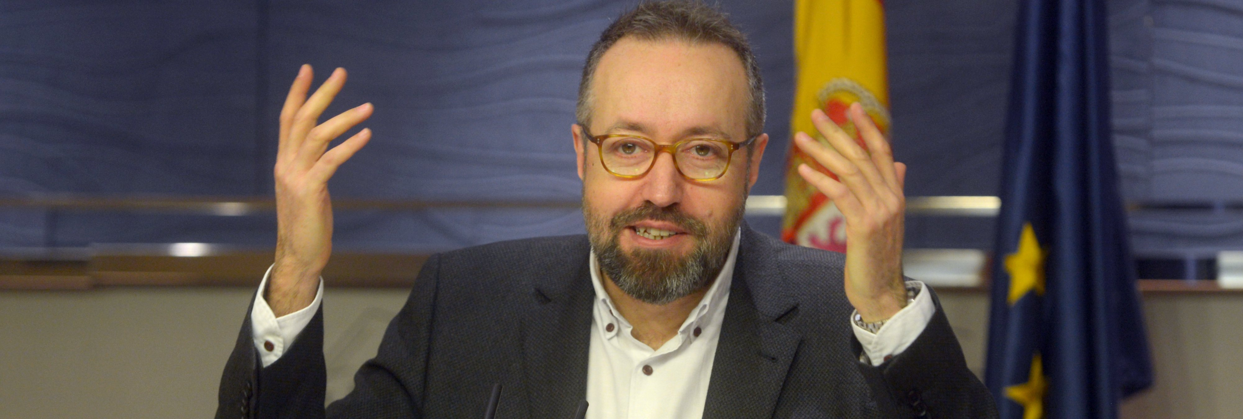 La doble moral de Girauta (Ciudadanos): justificó los golpes al PSOE en una manifestación