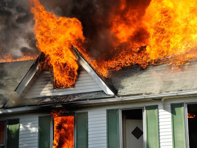 """Desfigurado con 20 años tras salvar a sus sobrinos de un incendio: """"Volvería a hacerlo"""""""