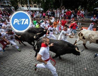 PETA pide reemplazar los toros de los Sanfermines por hombres disfrazados de dinosaurio
