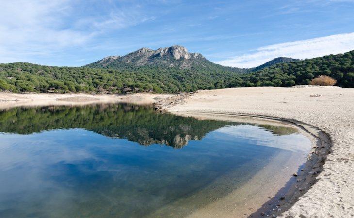 El pantano de San Juan es un plan imprescindible en verano