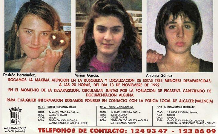 Carteles de la desaparición de las niñas