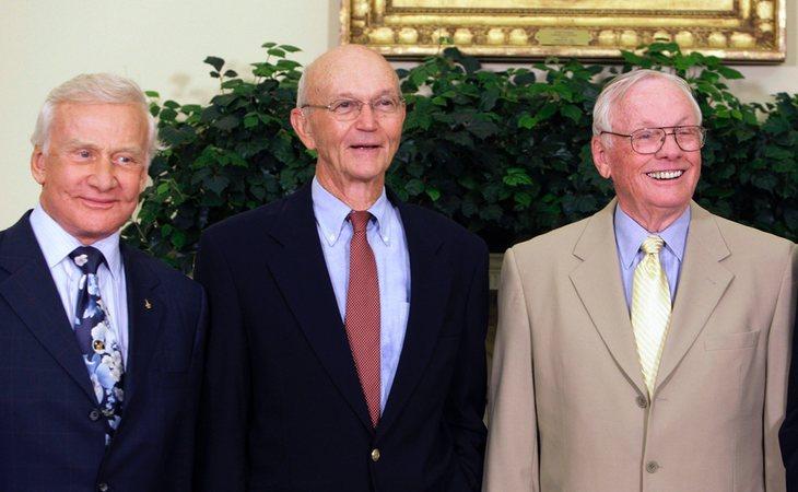 Armstrong, a la derecha del todo, tenía un frío carácter que fue decisivo a la hora de concretar el programa de la misión Apolo 11