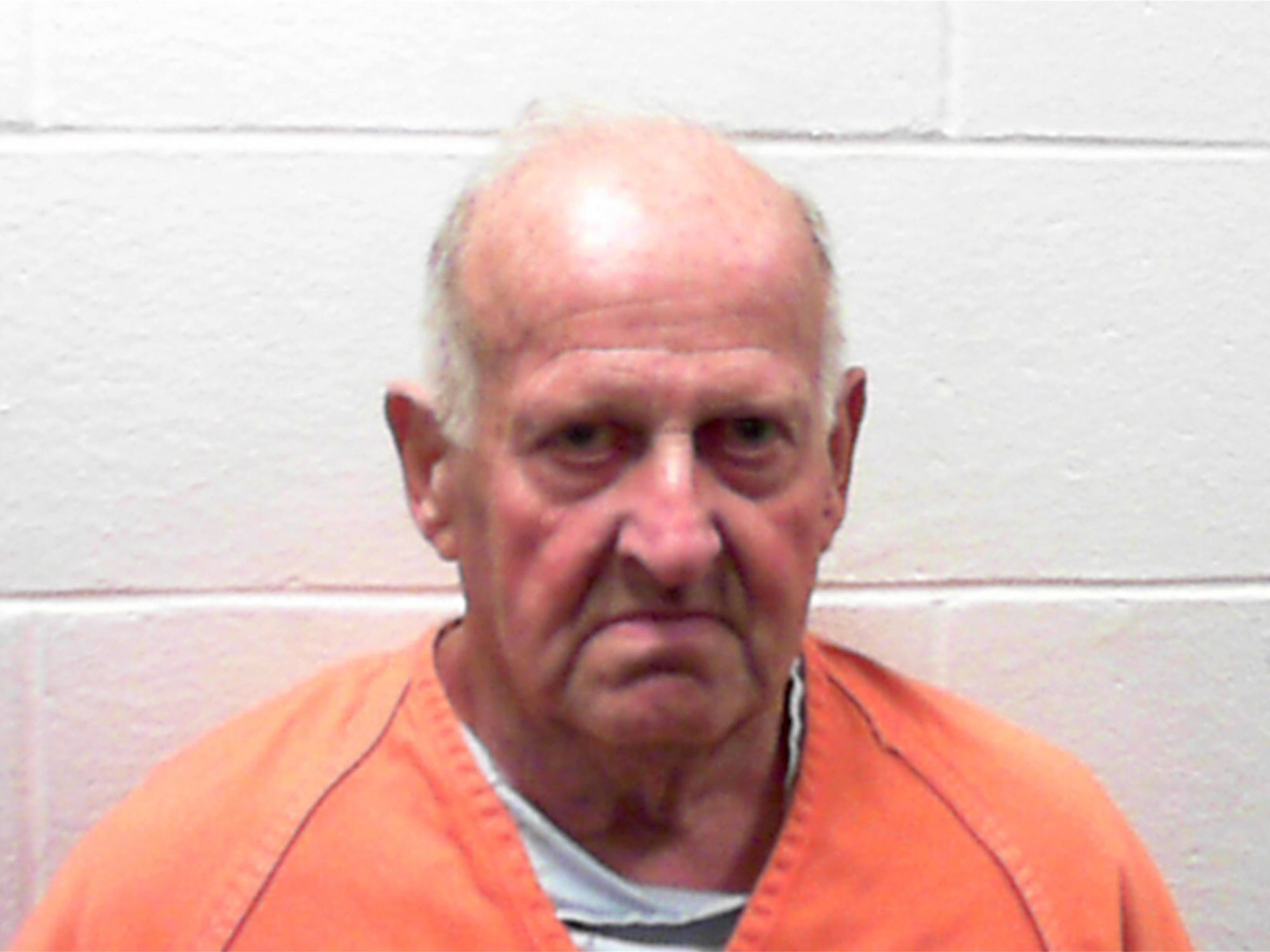 """Un asesino puesto en libertad por """"ser demasiado mayor"""" mata a una mujer tras salir de la cárcel"""