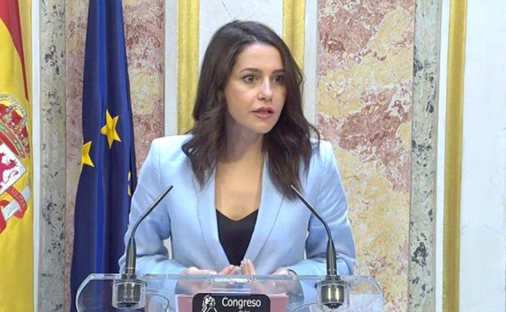 Arrimadas critica el discurso de Pedro Sánchez: 'Está fuera de la realidad'