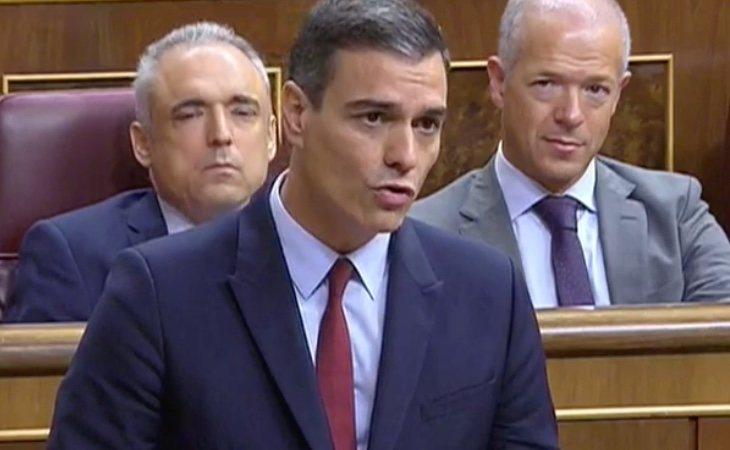 Sánchez a Casado: 'Nosotros no discutimos el origen constitucional del PP, no haga usted lo mismo con nosotros'. El presidente intenta adoptar un ...