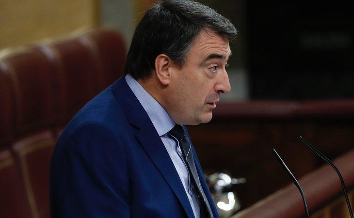 Aitor Esteban avanza que el PNV se abstendrá en la votación
