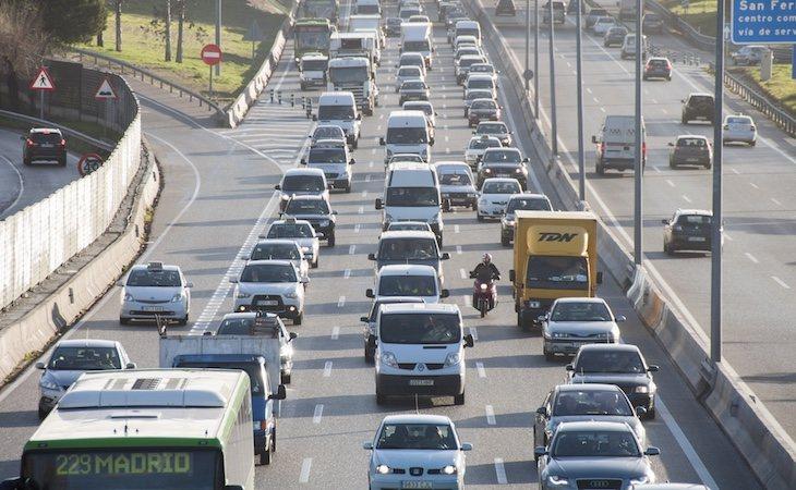 La principal causa de contaminación por NO2 es el tráfico