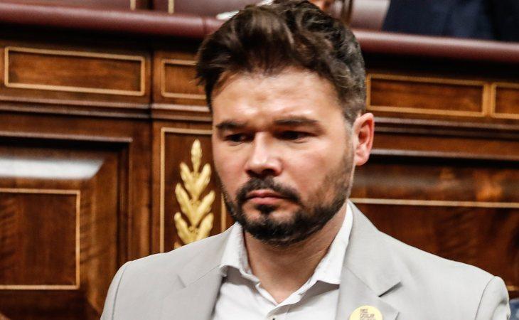 Gabriel Rufián se ABSTIENE en la investidura de Pedro Sánchez