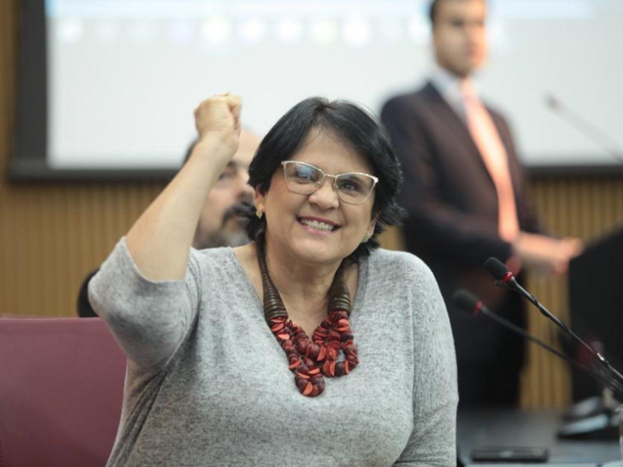 """La ministra de la Mujer de Brasil dice que violan a las niñas pobres """"por no llevar bragas"""""""