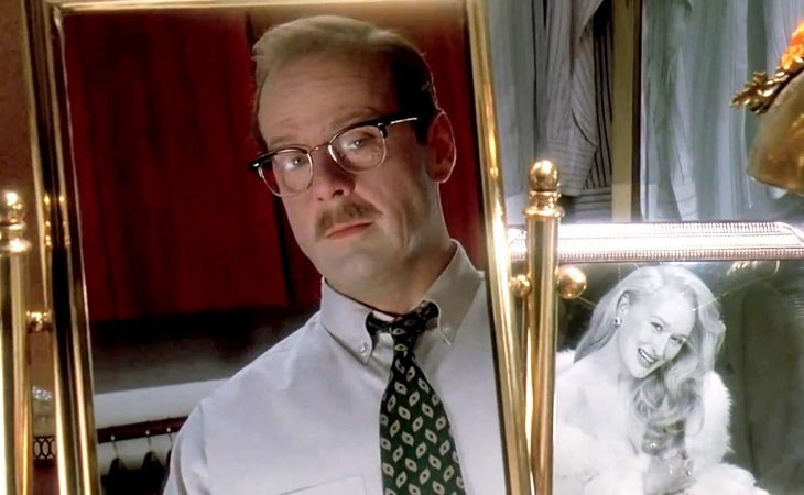 Bruce Willis como el Dr. Ernest Menville