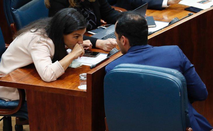 Rocío Monasterio (VOX) e Ignacio Aguado (Ciudadanos) en la Asamblea de Madrid