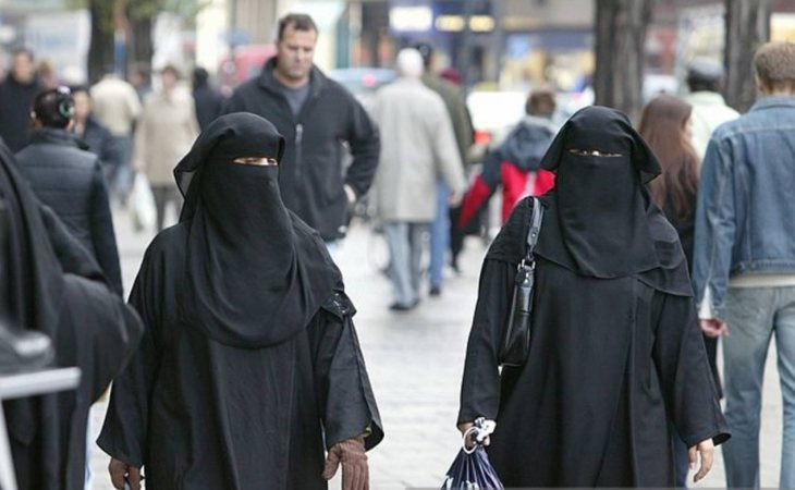 El uso del burka o el niqab, prohibido en Holanda