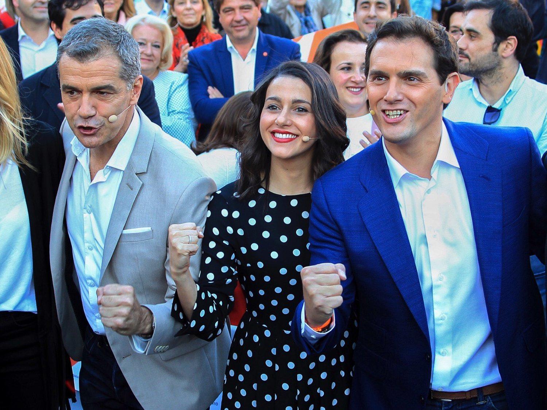 Cs enchufa a 9 asesores con 2 diputados en la Diputación de Alicante tras pactar con el PP