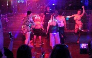 Los jubilados británicos bañan las noches de Benidorm con drogas, alcohol y sexo