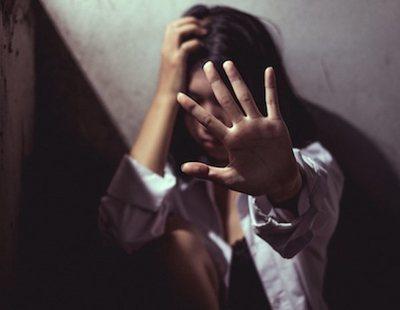 Los seis hombres que violaron a la joven de 18 años en Bilbao le tiraron dinero para humillarla