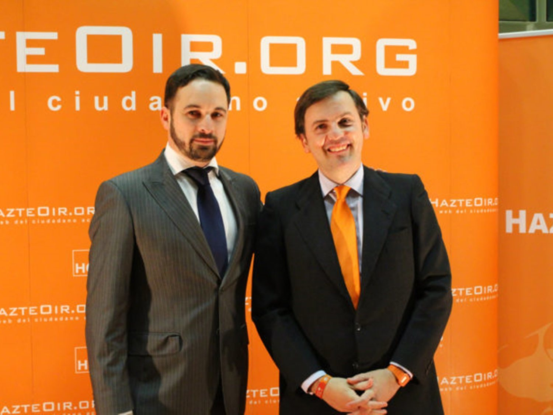 Hazte Oír 'rompe' con VOX por no exigir la derogación de las leyes LGBTI en Murcia y Madrid