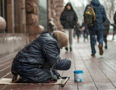 Una ciudad sueca quiere cobrar por pedir en la calle para acabar con los mendigos