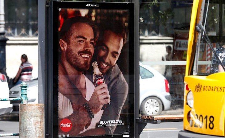 La campaña de Coca Cola ha desatado críticas homófobas en Hungría