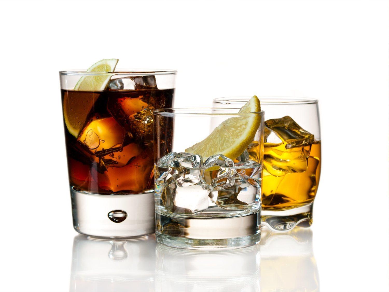 ¿Qué produce más resaca, el vodka o el ron? La ciencia responde